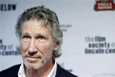 <p>Musician Roger Waters arrives for a Film Society Gala Tribute to honor actor Tom Hanks with the Chaplin Award in New York April 27, 2009. REUTERS/Lucas Jackson</p>