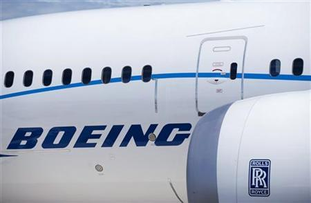 The engine and body of the Boeing 787 Dreamliner is seen at the Farnborough International Airshow 2010 in Farnborough, southern England July 19, 2010. REUTERS/Kieran Doherty