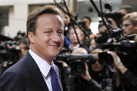 Prime Minister David Cameron arrives at an EU leaders summit in Brussels September 16, 2010. REUTERS/Eric Vidal