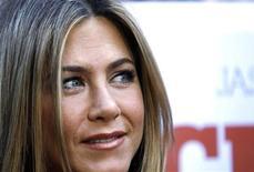 """<p>Jennifer Aniston posa para foto na première do filme """"Coincidências do Amor"""" em Hollywood, 16 de agosto de 2010. REUTERS/Mario Anzuoni</p>"""