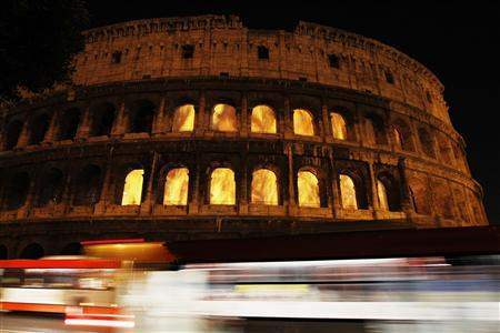 A large scale video installation is projected onto Rome's ancient Colosseum by installation artists Thyra Hilden and Piuz Diaz, in Rome September 16, 2010. REUTERS/Alessandro Bianchi