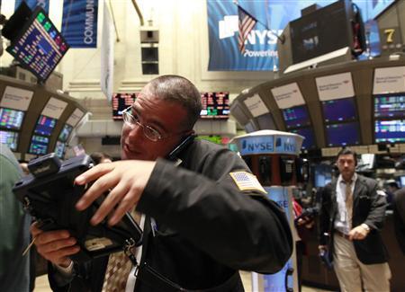 Traders work on the floor of the New York Stock Exchange September 22, 2010. REUTERS/Brendan McDermid