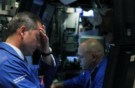 Specialists work on the floor of the New York Stock Exchange May 6, 2010. REUTERS/Lucas Jackson