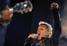 <p>Singer Billy Idol performs during the VOLT music festival in Sopron July 1,2010. Picture taken July 1. REUTERS/Nepszabadsag/Bernadett Szabo</p>