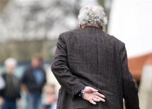 <p>An elderly man takes a stroll in a file photo. REUTERS/Kirsten Neumann/Files</p>