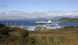 <p>A general view shows an oil terminal at Russia's Far-East port of Kozmino October 4, 2010. RREUTERS/Jessica Bachman</p>