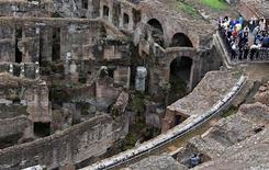 <p>Masmorras subterrâneas do Coliseu de Roma, visto como uma das grandes obras da arquitetura romana, serão abertas ao público pela primeira vez na próxima semana. REUTERS/Alessandro Bianchi</p>