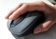"""<p>Selon le cabinet d'études Gartner, les investissements informatiques des entreprises à travers le monde devraient augmenter de 3,1% en 2011 et connaître une hausse """"timide"""" au cours des cinq prochaines années. /Photo d'archives/REUTERS/Catherine Benson</p>"""