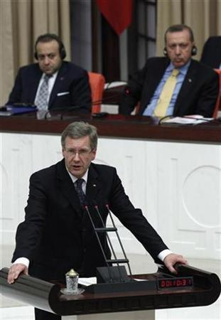 Germany's President Christian Wulff addresses Turkish Parliament in Ankara October 19, 2010. REUTERS/Umit Bektas