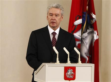 New Moscow Mayor Sergei Sobyanin delivers a speech during an inauguration ceremony in Moscow, October 21, 2010. REUTERS/Grigory Dukor
