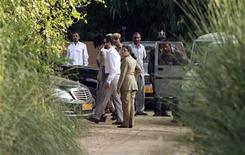 <p>Invitados llegan al resort Aman-i-Khas en Sawai Madhopur, India. Oct 23 2010 El comediante británico Russell Brand y la cantante pop Katy Perry se casaron el sábado en una ceremonia tradicional hindú en un exclusivo hotel del centro vacacional Rajasthan de India, dijeron la policía y medios locales. REUTERS/Adnan Abidi</p>