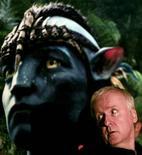 """<p>Foto de archivo del director James Cameron durante el lanzamiento deol filme """"Avatar"""" en formato Blu-Ray en Sao Paulo, Brasil, abr 11 2010. El estudio Twentieth Century Fox y el director James Cameron anunciaron el miércoles que prevén realizar dos nuevas películas de """"Avatar"""", acabando con una persistente duda sobre si volverían a trabajar juntos para continuar el filme más taquillero de la historia. Reuters/Fernando Donasci</p>"""