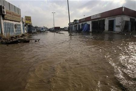 A view of a flooded street in Jeddah December 7, 2009.REUTERS/Susan Baaghil