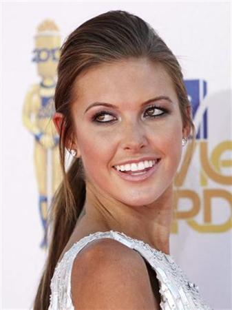 Audrina Patridge arrives at the 2010 MTV Movie Awards in Los Angeles June 6, 2010. REUTERS/Danny Moloshok