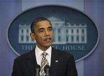 <p>Президент США Барак Обама выступает в Вашингтоне 18 ноября 2010 года. Президент США Барак Обама усилил давление на Сенат, чтобы осуществить подписание нового договора о сокращении стратегических наступательных вооружений (СНВ) с Россией, заявив, что ратификация договора до конца текущего года является требованием национальной безопасности. REUTERS/Jason Reed</p>