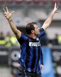 <p>Dejan Stankovic, da Inter de Milão, comemora depois de marcar contra o Parma duarante partida no estádio San Siro, em Milão, 28 de novembro de 2010. REUTERS/Giampiero Sposito</p>
