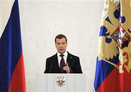 Russia's President Dmitry Medvedev makes his annual state of the nation address at the Kremlin's St. George Hall in Moscow, November 30, 2010. REUTERS/Dmitry Astakhov/RIA Novosti/Kremlin