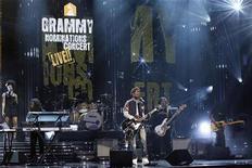 <p>B.o.B se presenta durante el concierto de las nominaciones de los premios Grammy en Los Angeles. Dic 1 2010 A continuación, una lista de los nominados en las principales categorías para la 53era. entrega anual de los Premios Grammy, anunciada el miércoles en Los Angeles. Los ganadores se conocerán el 13 de febrero. REUTERS/Mario Anzuoni</p>