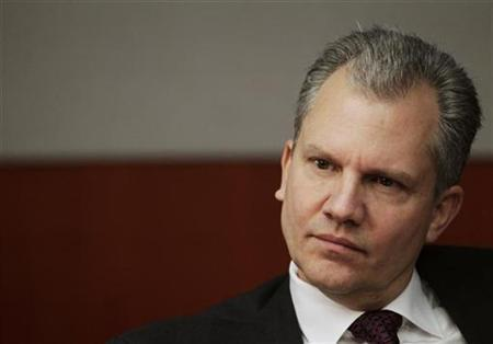 Arthur Sulzberger, Jr., chairman of The New York Times Company, speaks at the Reuters Global Media Summit in New York, November 30, 2010. REUTERS/Brendan McDermid