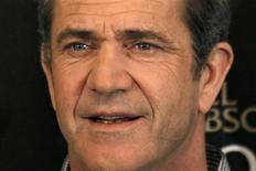 """<p>Mel Gibson divulga o filme """"Fim da Escuridão"""" em Paris, em fevereiro. Mel Gibson volta às telas de cinema após a polêmica envolvendo sua ex-namorada Oksana Grigorieva, com """"The Beaver"""". 04/02/2010 REUTERS/Charles Platiau/Arquivo</p>"""