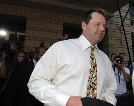 Former star MLB baseball pitcher Roger Clemens departs the federal courthouse after his arraignment on charges of lying to Congress about use of performance enhancing drugs in Washington, August 30, 2010. REUTERS/Jonathan Ernst