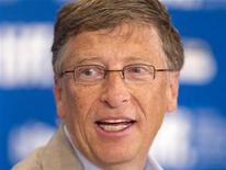 <p>Imagen de archivo del multimillonario fundador de Microsoft, Bill Gates, durante una conferencia en Toronto. Sep 11 2010 Otros 17 multimillonarios estadounidenses, entre ellos los cofundadores de Facebook Mark Zuckerberg y Dustin Moskovitz, han prometido desprenderse al menos de la mitad de sus fortunas en una campaña filantrópica liderada por Warren Buffett y Bill Gates. REUTERS/Fred Thornhill/ARCHIVO</p>