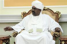 <p>Sudan's President Omar Hassan al-Bashir talks during a meeting with the African Union High Level Panel in Khartoum October 25, 2010. REUTERS/Mohamed Nureldin Abdallah (SUDAN - Tags: POLITICS)</p>