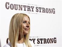 """<p>Imagen de archivo de la actriz Gwyneth Paltrow en una exhibición especial de """"Country Strong"""" en Beverly Hills, EEUU. dic 14 2010. Superar una adicción no es fácil y para Gwyneth Paltrow, que interpreta a una adicta en su nueva película """"Country Strong"""", es difícil entender incluso el motivo que lleva a la gente a abusar de las drogas y el alcohol. REUTERS/Mario Anzuoni/Archivo</p>"""