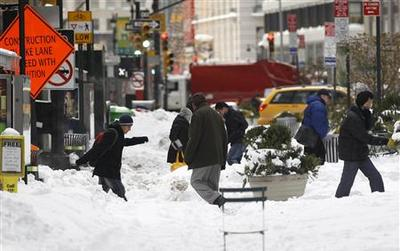 Northeast digs out after storm snarls travel