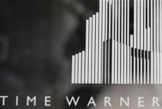 <p>Foto de archivo de la entrada al centro Time Warner en Columbus Circle en Nueva York, ago 4 2010. Time Warner y dos fondos de inversión privados estadounidenses están en la lista corta de potenciales REUTERS/Shannon Stapleton</p>