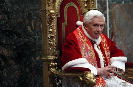 Papst Benedikt XVI. hält am 10. Januar 2011 eine Audienz im Vatikan ab. REUTERS/Alessia Pierdomenico