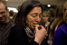 <p>People try an insect snack during a break in the lecture given by Professor Arnold van Huis at the University of Wageningen January 12, 2011. REUTERS/Jerry Lampen</p>