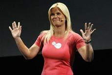 <p>Actress Alison Sweeney waves at the end of a presentation for the Electronic Arts video game Sports Active for Wii Fit platform at the Orpheum theatre in Los Angeles June 1, 2009. REUTERS/Mario Anzuoni</p>