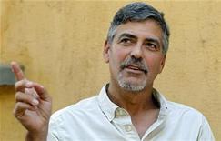 <p>Foto de archivo del actor George Clooney durante una entrevista con Reuters en Juba, ene 8 2011. Clooney contrajo malaria durante un viaje a Sudán a comienzos del mes, pero está totalmente curado, dijo el jueves un portavoz del actor ganador de un premio Oscar. REUTERS/Thomas Mukoya</p>