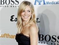 <p>Actress Sienna Miller poses at the Esquire House LA grand opening benefit for the International Medical Corps in Los Angeles, California October 15, 2010. REUTERS/Fred Prouser</p>