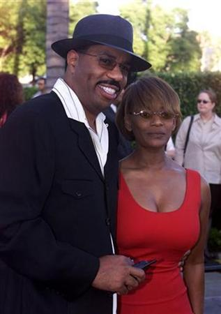 Comedian Steve Harvey and wife Mary in 2001. REUTERS/Fred Prouser