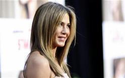 "<p>Cast member Jennifer Aniston poses at the premiere of ""The Switch"" at the Arclight theatre in Hollywood, California August 16, 2010. The movie opens in the U.S. on September 2. REUTERS/Mario Anzuoni</p>"