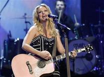 <p>Miranda Lambert no show ao vivo das Indicações ao Grammy, em dezembro. Lambert liderou nesta terça-feira as indicações à 46 edição anual dos prêmios da Academia de Música Country, com indicações em sete categorias, entre as quais Artista do Ano. 01/12/2010 REUTERS/Mario Anzuoni/Arquivo</p>