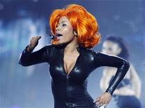 <p>Nicki Minaj performs at the 2010 BET Awards in Los Angeles, June 27, 2010. REUTERS/Mario Anzuoni</p>