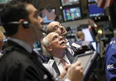 Traders work on the floor of the New York Stock Exchange, February 7, 2011. REUTERS/Brendan McDermid