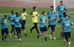 """<p>Игроки """"Интера"""" на тренировке в Абу-Даби 17 декабря 2010 года. Редкий матч """"Ювентуса"""" и """"Интера"""" может иметь большую важность, чем предстоящий в воскресенье поединок в рамках 25-го тура Серии А. REUTERS/Fadi Al-Assaad</p>"""