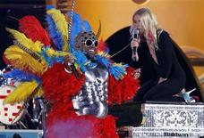 "<p>Gwyneth Paltrow performs ""Forget You"" with Cee-lo Green (L) at the 53rd annual Grammy Awards in Los Angeles, California, February 13, 2011. REUTERS/Lucy Nicholson</p>"