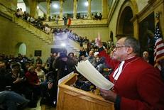 <p>The Reverend Peter Gomes, Pastor of Memorial Church at Harvard University and Plummer Professor of Christian Morals at Harvard, speaks in support of marriage rights for gay and lesbian couples and against a proposed amendment to the state constitution banning same-sex marriage during a rally inside the Massachusetts Statehouse in Boston February 10, 2004. REUTERS/Jim Bourg</p>