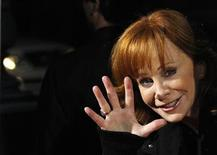 "<p>Country singer Reba McEntire waves at a special screening of ""Country Strong"" at the Academy of Motion Picture Arts and Sciences theatre in Beverly Hills, California December 14, 2010. REUTERS/Mario Anzuoni</p>"