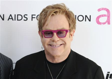 Musician Elton John arrives at the 19th Annual Elton John AIDS Foundation Academy Award Viewing Party in West Hollywood, California February 27, 2011. REUTERS/Gus Ruelas