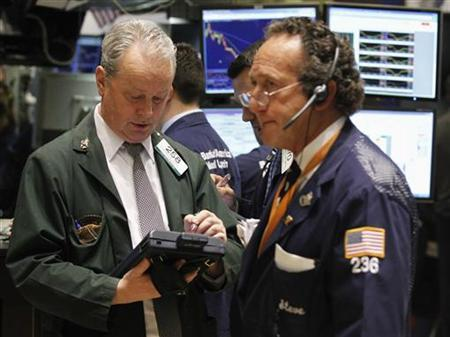 Traders work on the floor of the New York Stock Exchange, February 23, 2011. REUTERS/Brendan McDermid