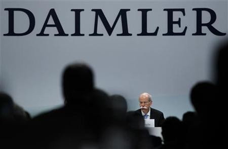 Dieter Zetsche, CEO of German car manufacturer Daimler AG, talks to media during the annual news conference in Stuttgart, February 16, 2011. REUTERS/Alex Domanski