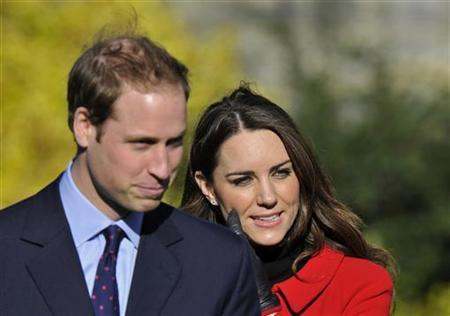 Britain's Prince William and his fiancee Kate Middleton visit St. Andrews University in Fife, Scotland February 25, 2011. REUTERS/Toby Melville