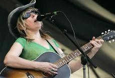 <p>Musician and songwriter Lucinda Williams performs at the New Orleans Jazz and Heritage Festival in New Orleans, Louisiana, April 27, 2007. REUTERS/Lee Celano</p>
