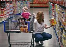 <p>A customer shops in the expanded baby department at a remodelled Sam's Club in Arkansas, June 3, 2010. REUTERS/Sarah Conard</p>